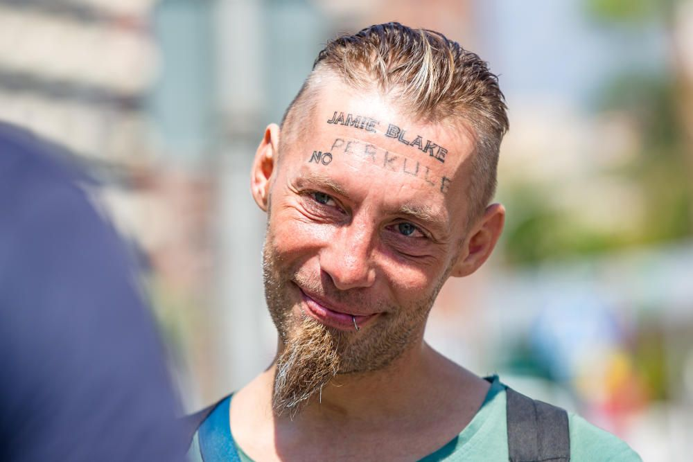 El indigente al que obligaron a tatuarse vuelve a Benidorm y denuncia los hechos