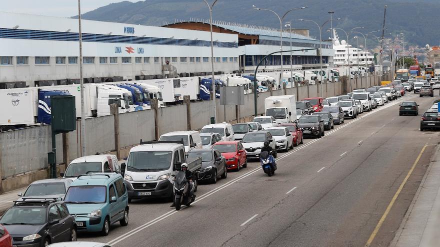 Atascos en Vigo: el tráfico colapsa en Beiramar por las obras del carril bici