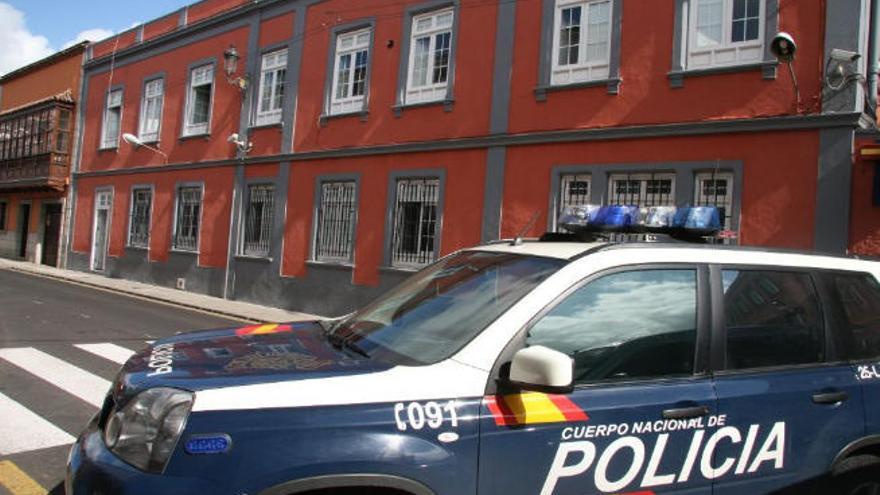 La Policía Local detiene a un varón por vender heroína en una calle de Taco