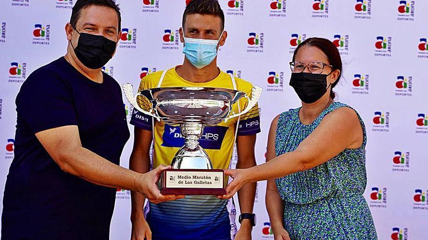 Francisco Cabrera y Aroa Merino triunfan en los 21 kilómetros