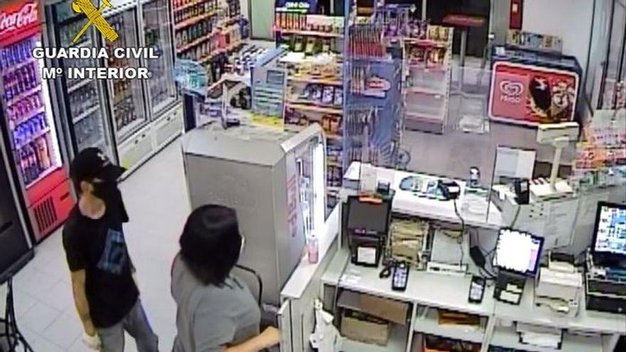 Detenidos por robar dos veces en una gasolinera de Almassora
