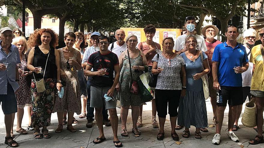 El Col·lectiu de Pintors de Portbou celebra la seva trentena mostra