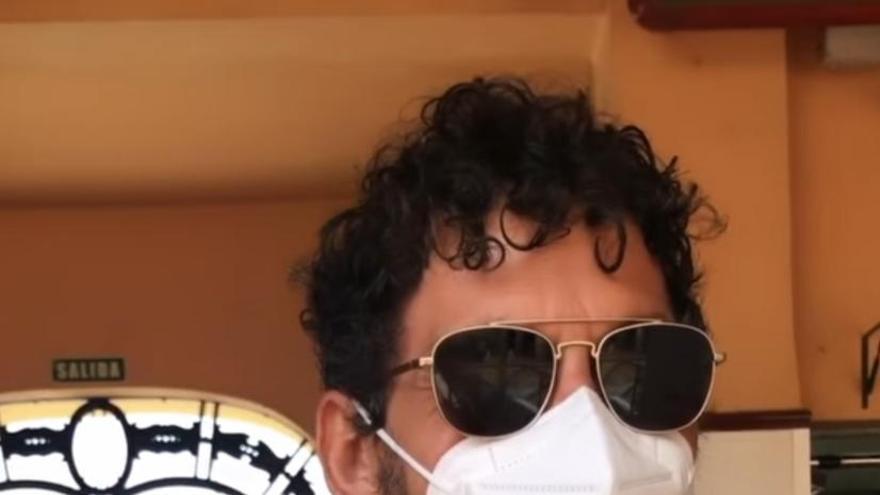 El actor Paco León, de almuerzo en la Recova