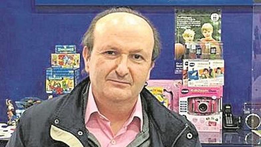 José Vicente Arias: «El principal problema que nos acecha es el comercio 'online'»