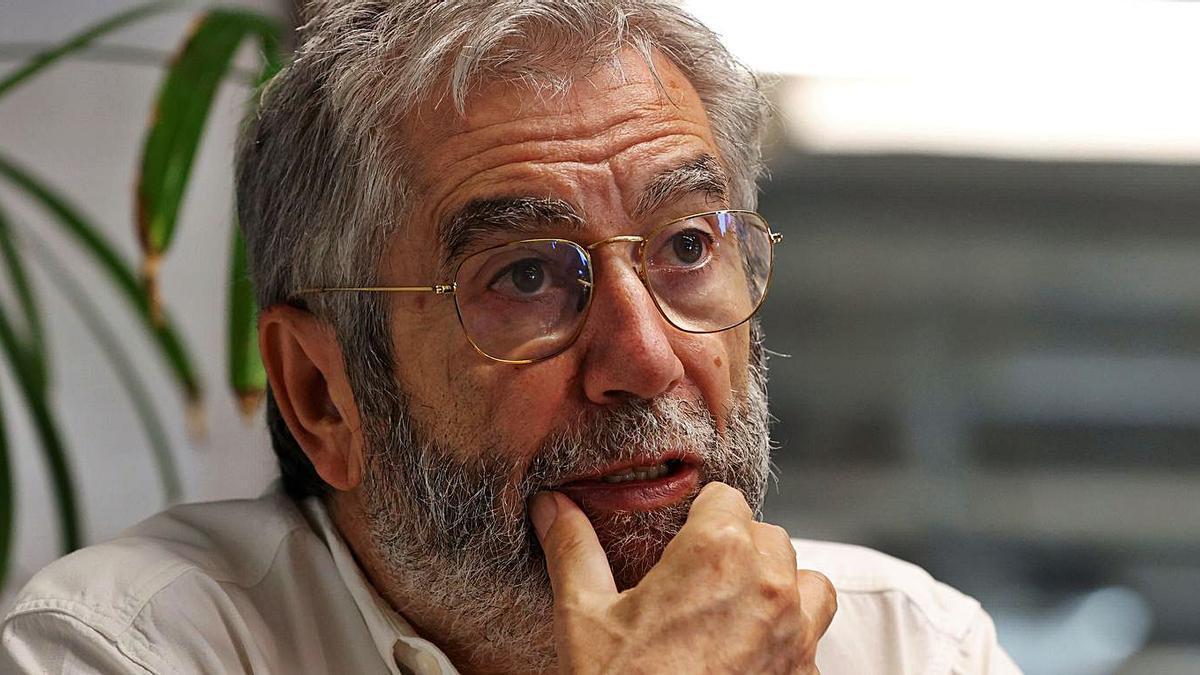 Antonio Muñoz Molina, ayer, durante la presentación de su nueva obra, 'Volver a dónde'.