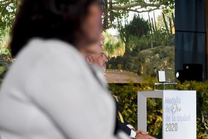 23-06-20 LAS PALMAS DE GRAN CANARIA.PLAYA DE LAS CANTERAS.LAS PALMAS DE GRAN CANARIA. Acto de honores y distinciones de la capital, Medalla de Oro a la sociedad. Fotos: Juan Castro  | 23/06/2020 | Fotógrafo: Juan Carlos Castro