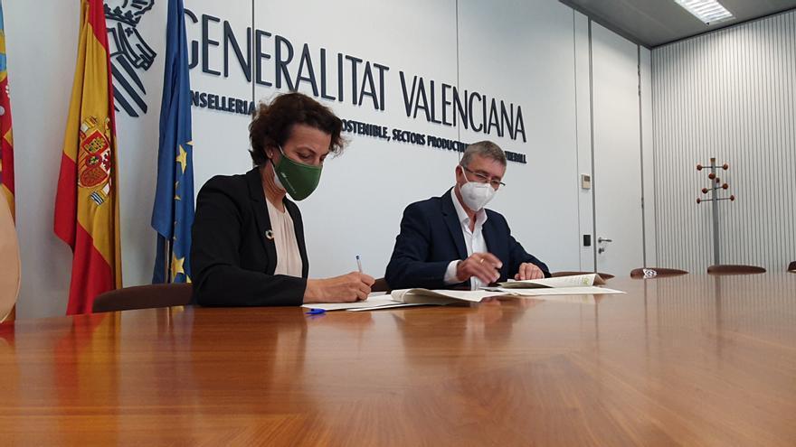 El Ivace e Iberdrola firman un acuerdo para integrar a las comunidades energéticas locales en la red de distribución