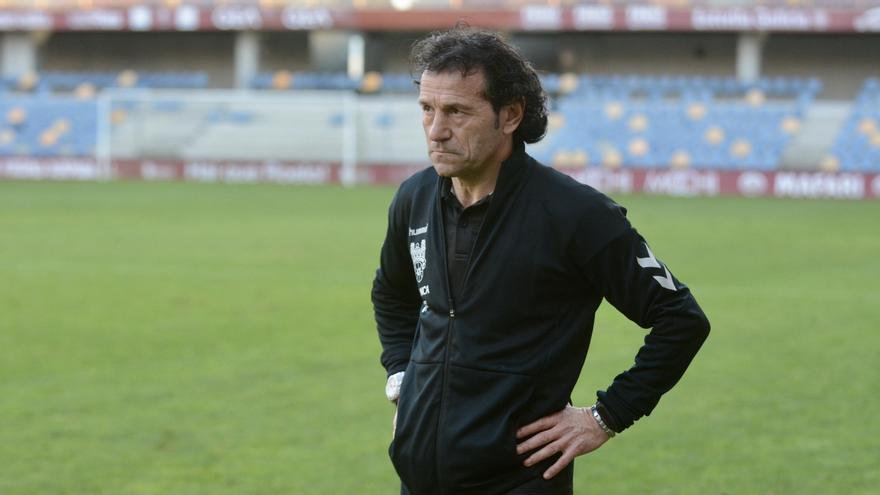 Luisito abandona el entrenamiento del Pontevedra CF por una posible trombosis