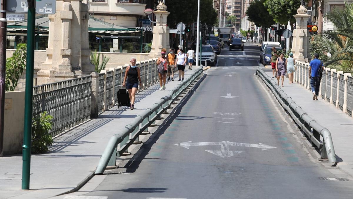Puente de Canalejas, una de las zonas que se cortará al tráfico para asfaltar la semana próxima