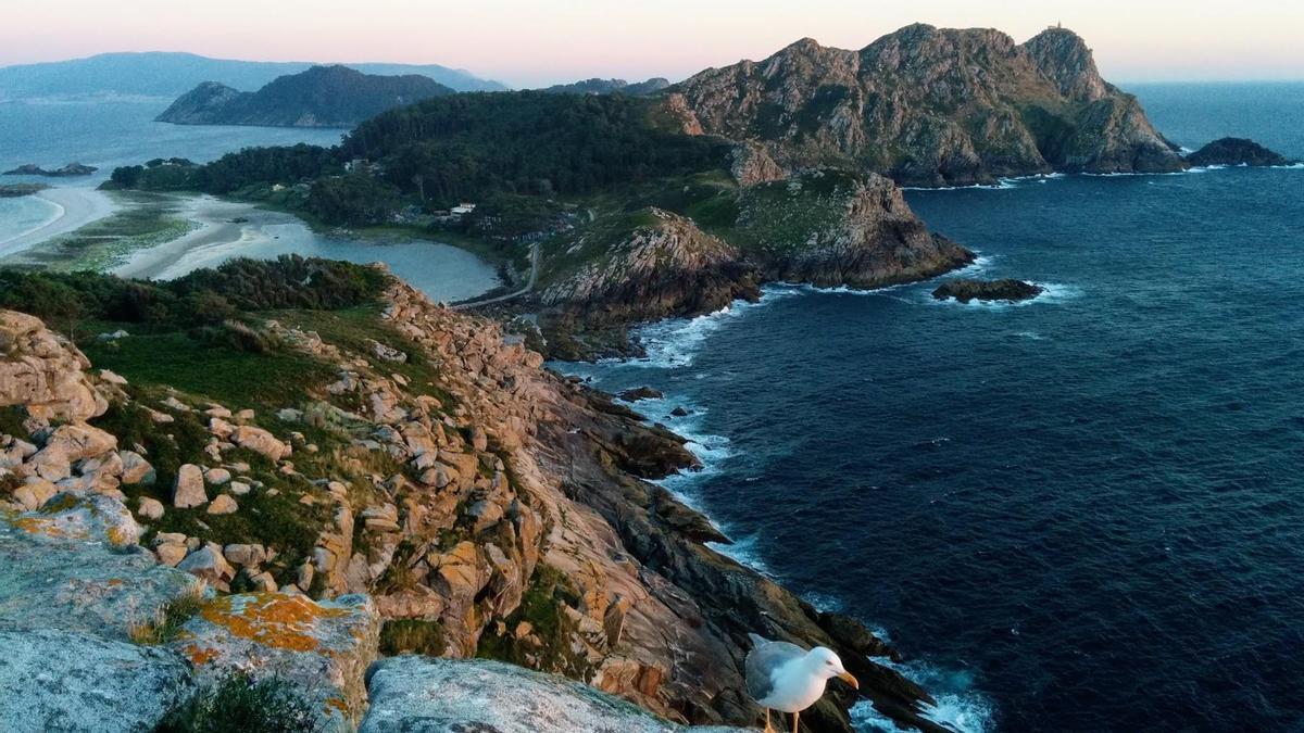 Vista de las Islas Cíes desde el Alto do Príncipe.