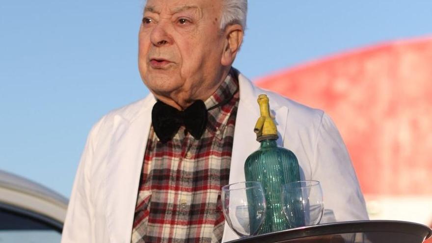 Mor l'emblemàtic cambrer «Quimet de l'Exprés», medalla Ferran Agulló de 1990