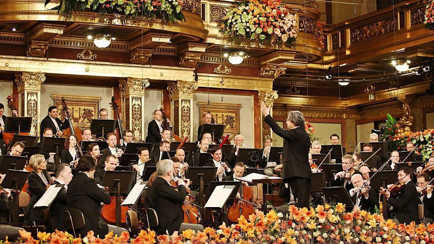 Riccardo Muti dirige desde Viena el Concierto de Año Nuevo con un mensaje de esperanza y optimismo