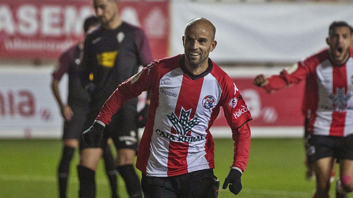 Sergio García, en plena celebración tras un gol.   E. F.