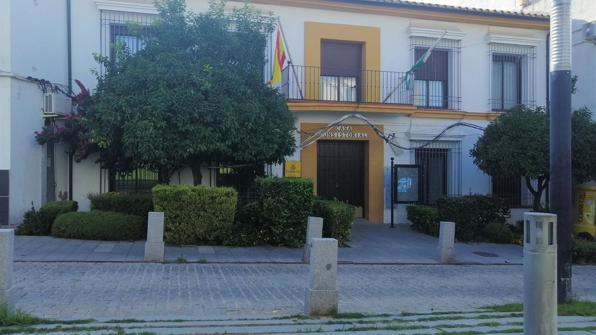 Imagen exterior del Ayuntamiento de Guadalcázar.