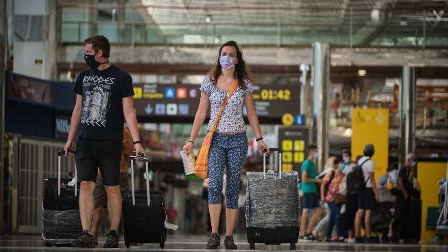 El Círculo Turístico urge medidas para contener los contagios en Tenerife