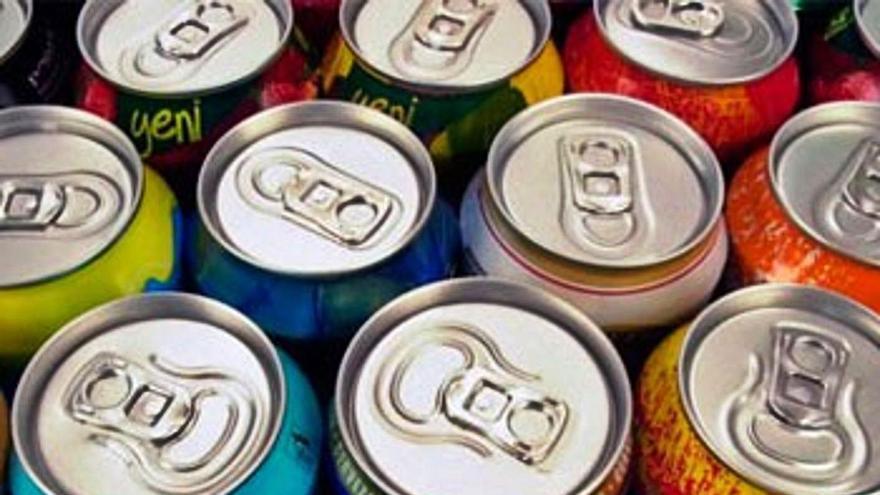 Un de cada quatre nens pren begudes energètiques amb molta cafeïna i sucre