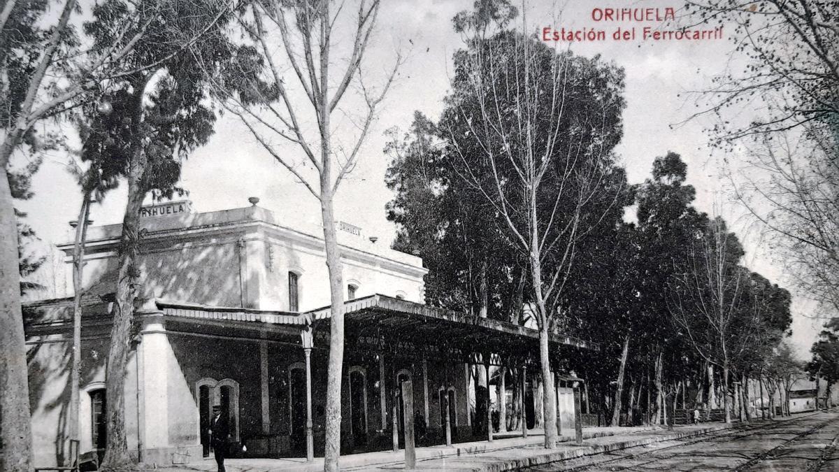 La Estación del Ferrocarril de Orihuela a principios del siglo XX.