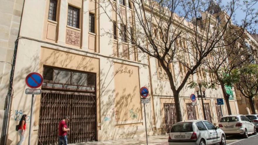 El proyecto para abrir un hotel en el antiguo cine Ideal supera el primer trámite en Urbanismo
