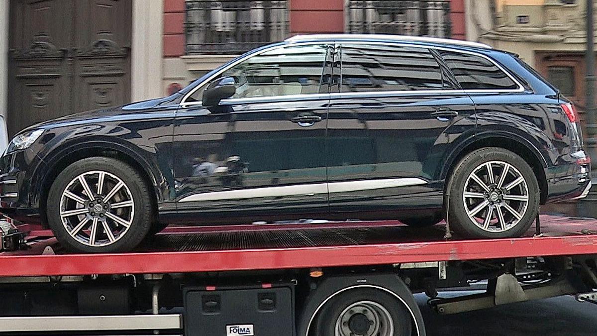 Uno de los dos coches de alta gama decomisados a Zaplana, cuando fue detenido en 2018.  | EFE/EUSEBIO CALATAYUD