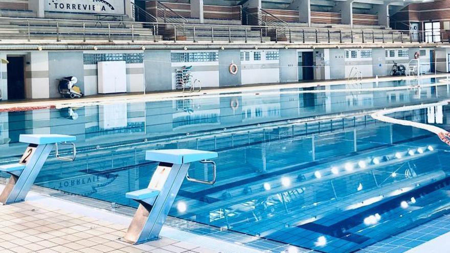 La piscina cubierta del Palacio de los Deportes de Torrevieja abre al público este jueves