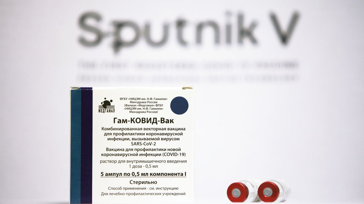 Una caja con dosis de la vacuna Sputnik V