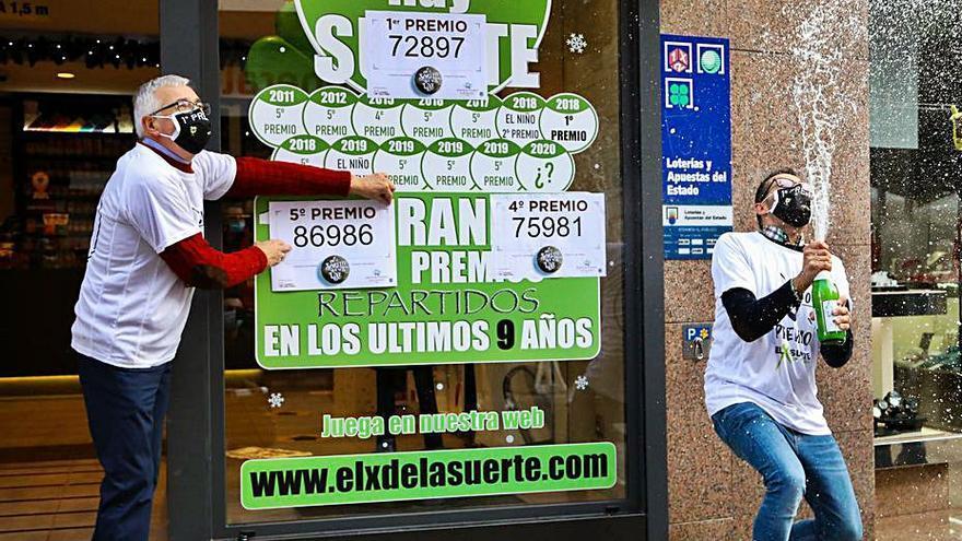 El premio gordo planeó sobre Porriño y dejó 400.000 euros en El X de la suerte
