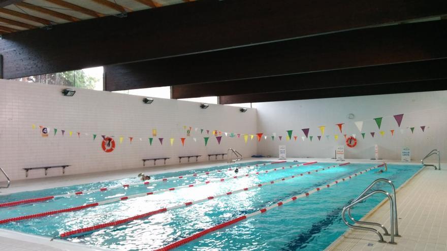 Usuarios de la piscina de La Cañada denuncian el estado de la temperatura del agua