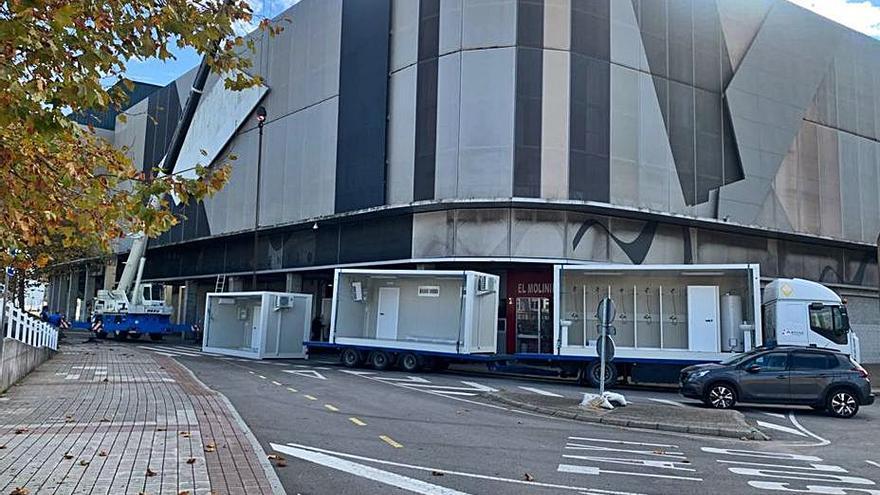 Vestuarios portátiles para el parking del estadio