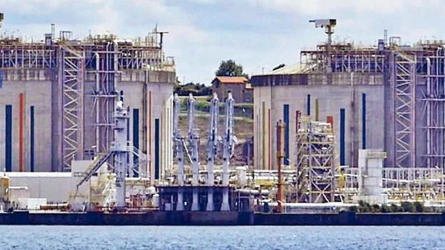 Galicia y Asturias pugnan por el negocio del suministro de gas natural para barcos