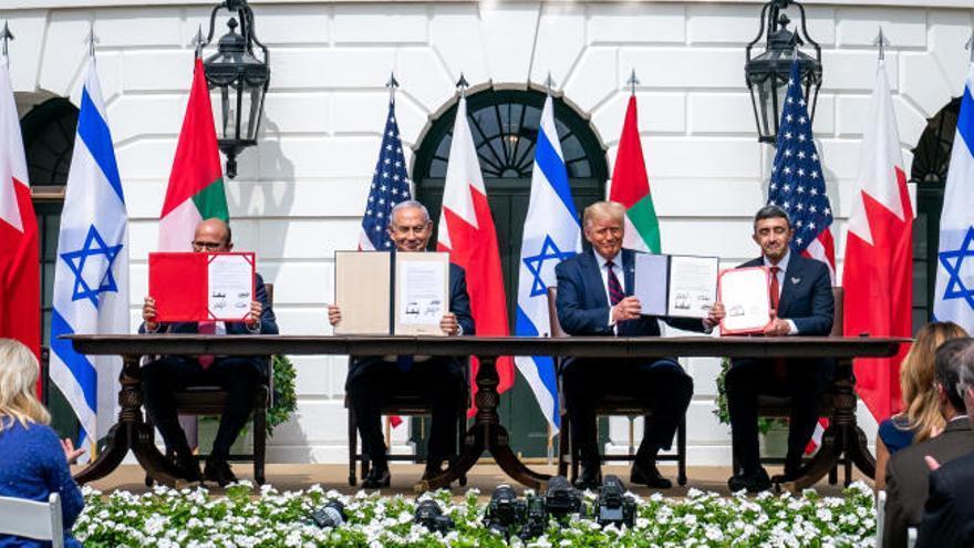 Israel normaliza relaciones con Emiratos Árabes y Bahrein bajo la mediación de Donald Trump