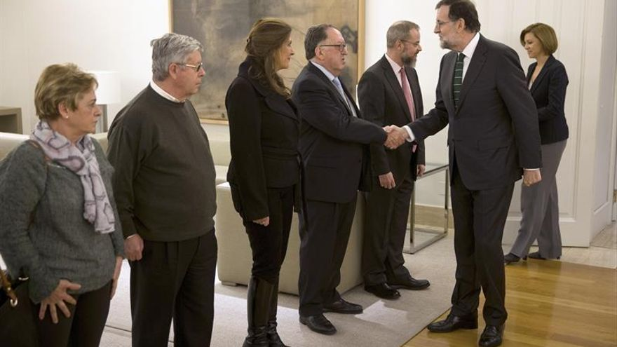 """Rajoy promete reparación """"moral y jurídica"""" a las víctimas del Yak-42"""