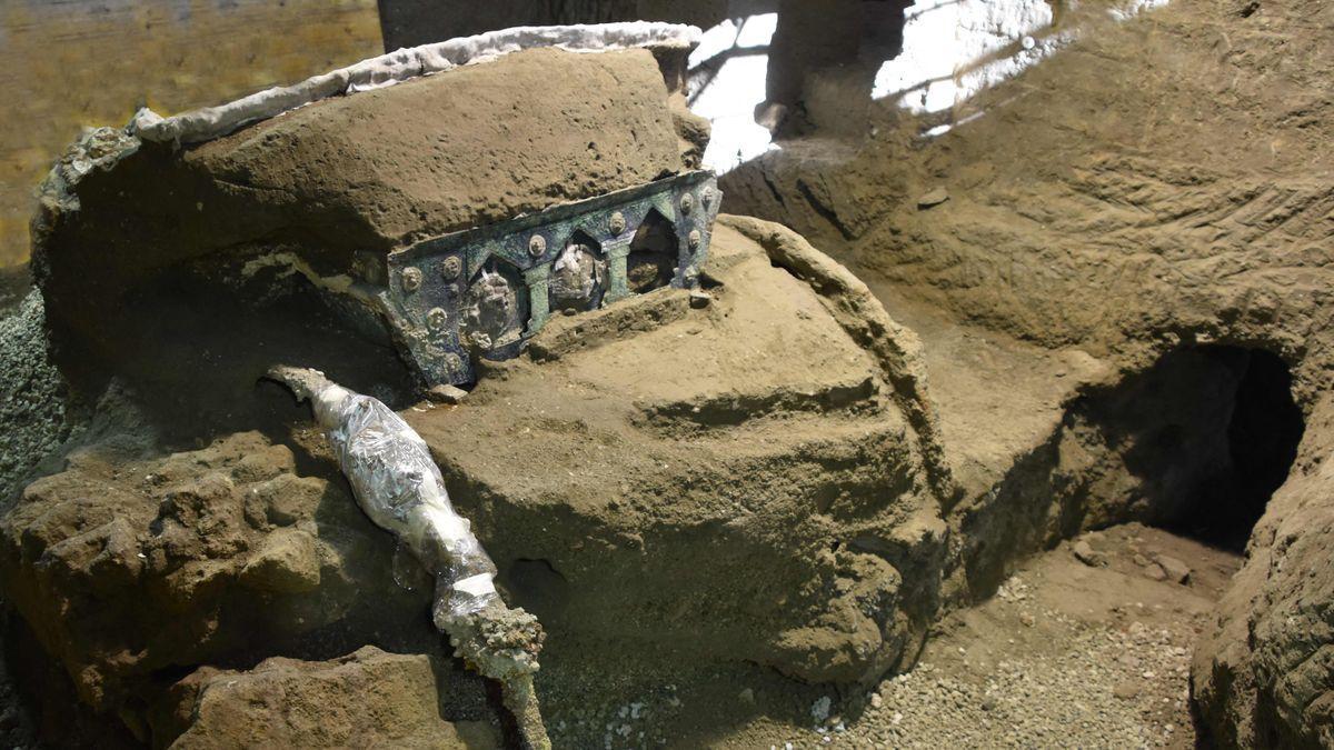 Descubierta en Pompeya una carroza ceremonial casi intacta