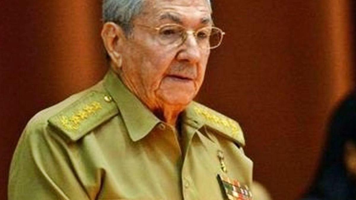 Raúl Castro, durant un dels seus discursos en una fotografia d'arxiu.