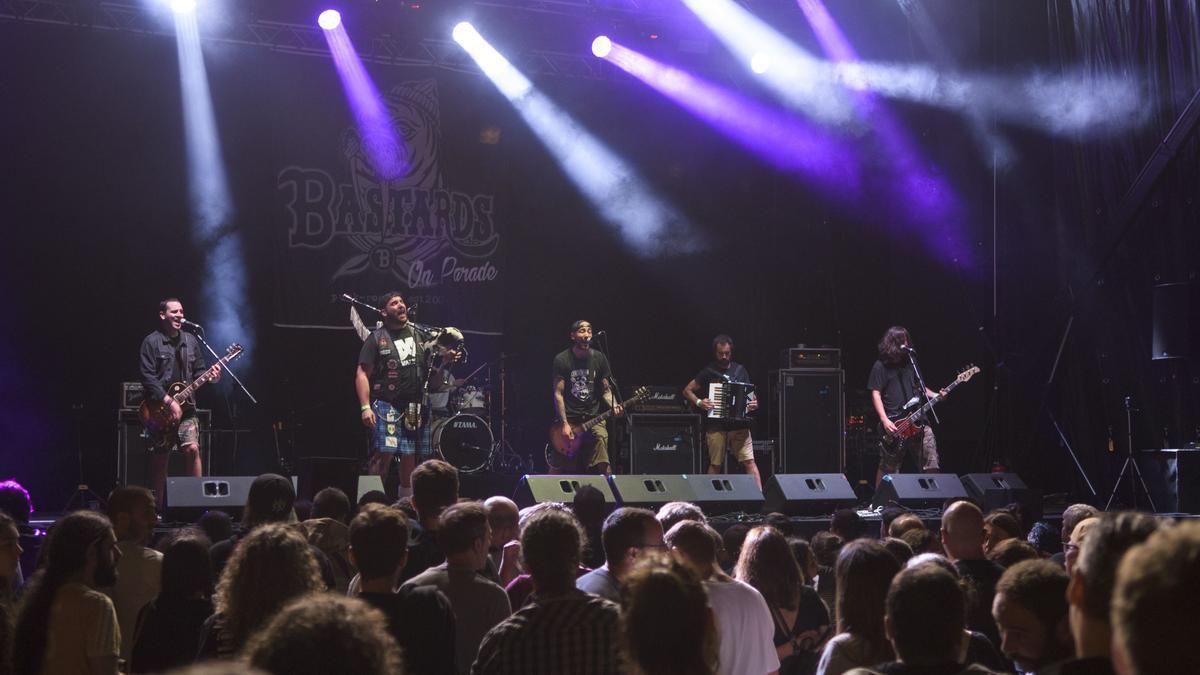 Actuación de Bastards on Parade en el Rock in Cambre, en 2019.