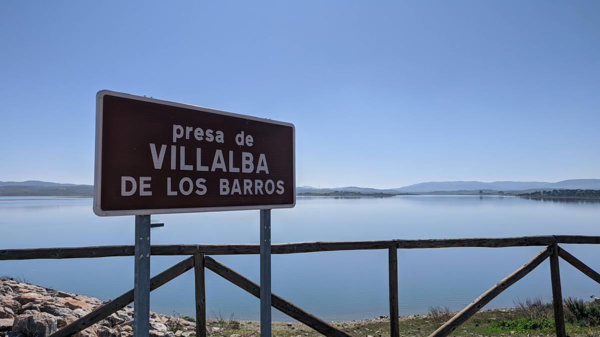 Presa de Villalba de los Barros