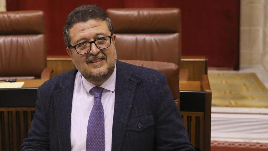 """El fiscal pide indagar un millón recibido por la empresa de un """"socio encubierto"""" de Serrano"""