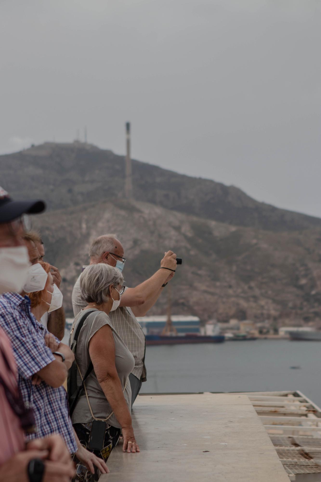Atraca en Cartagena el primer crucero que llega a España tras la covid