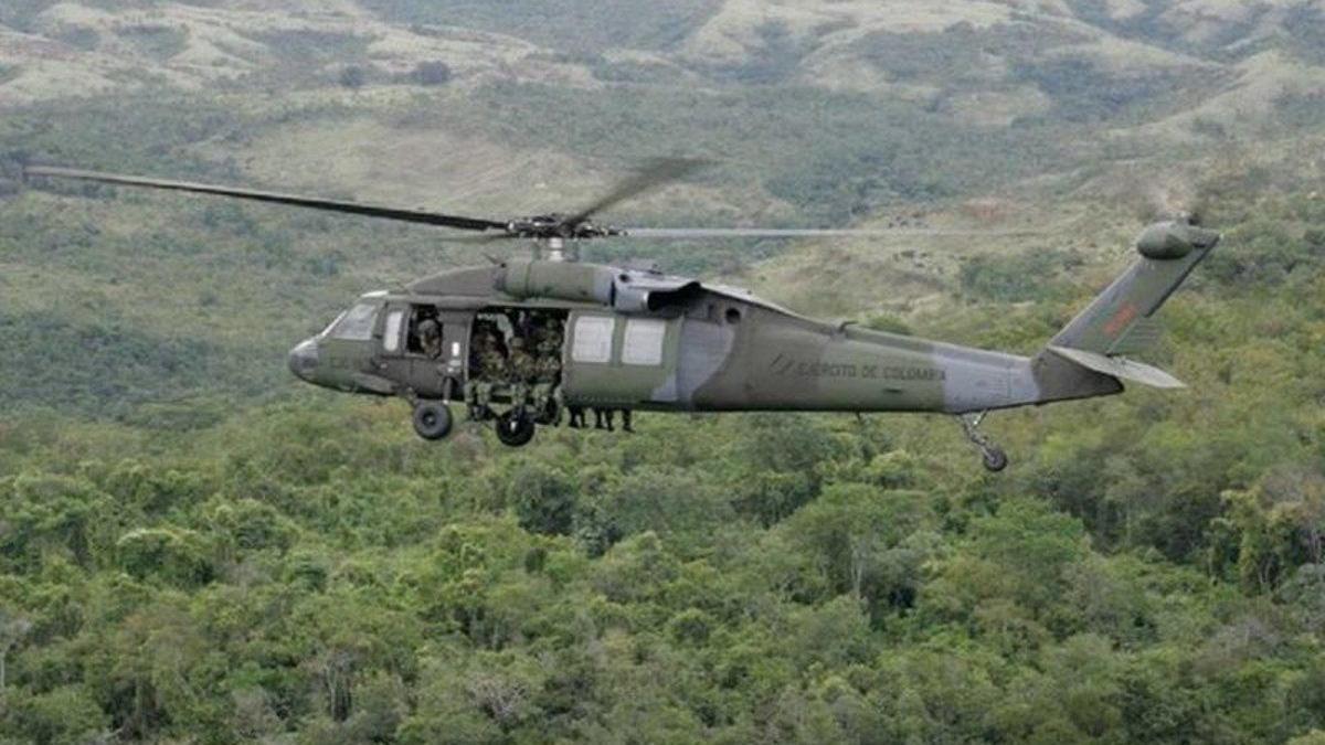 Mueren 9 militares en un accidente aéreo en Colombia