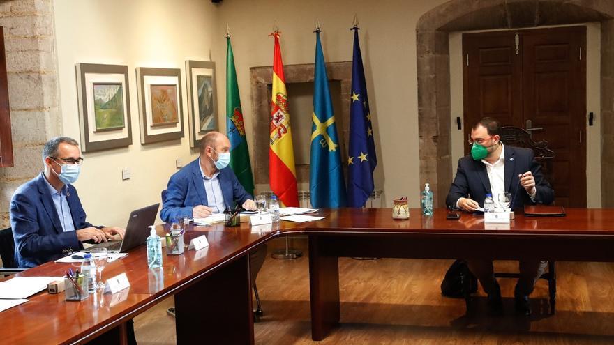 Asturias aprueba una reforma legal para mejorar los plazos de la administración
