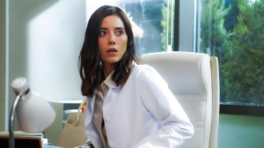 La turca 'Infiel' s'estrena amb èxit a Antena 3 davant el discret 'Viva el verano' de Telecinco