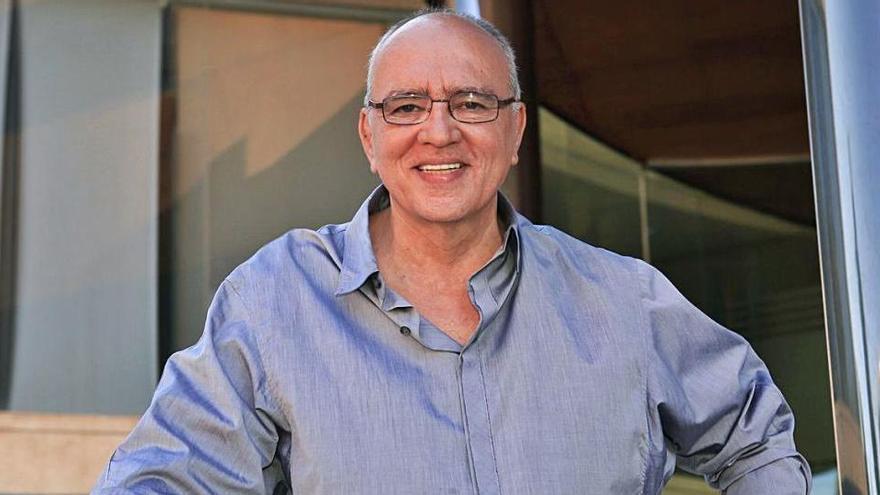 Muere por covid Brasilio de Oliveira, creador de la mítica fiesta La Troya