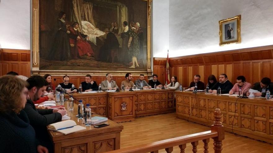 """PP: """"El PSOE de Caravaca se alía con la izquierda radical para vetar la comparecencia de varios concejales"""""""