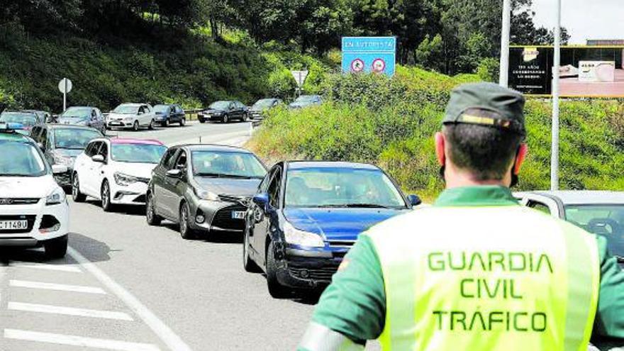 La nueva ley de Tráfico mantendrá el margen de 20 km/h para adelantar a otro vehículo