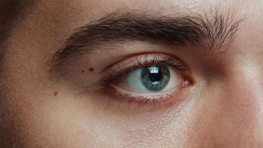 ¿Sufres de ojo seco? Estos expertos te enseñan cómo reducir sus molestos síntomas