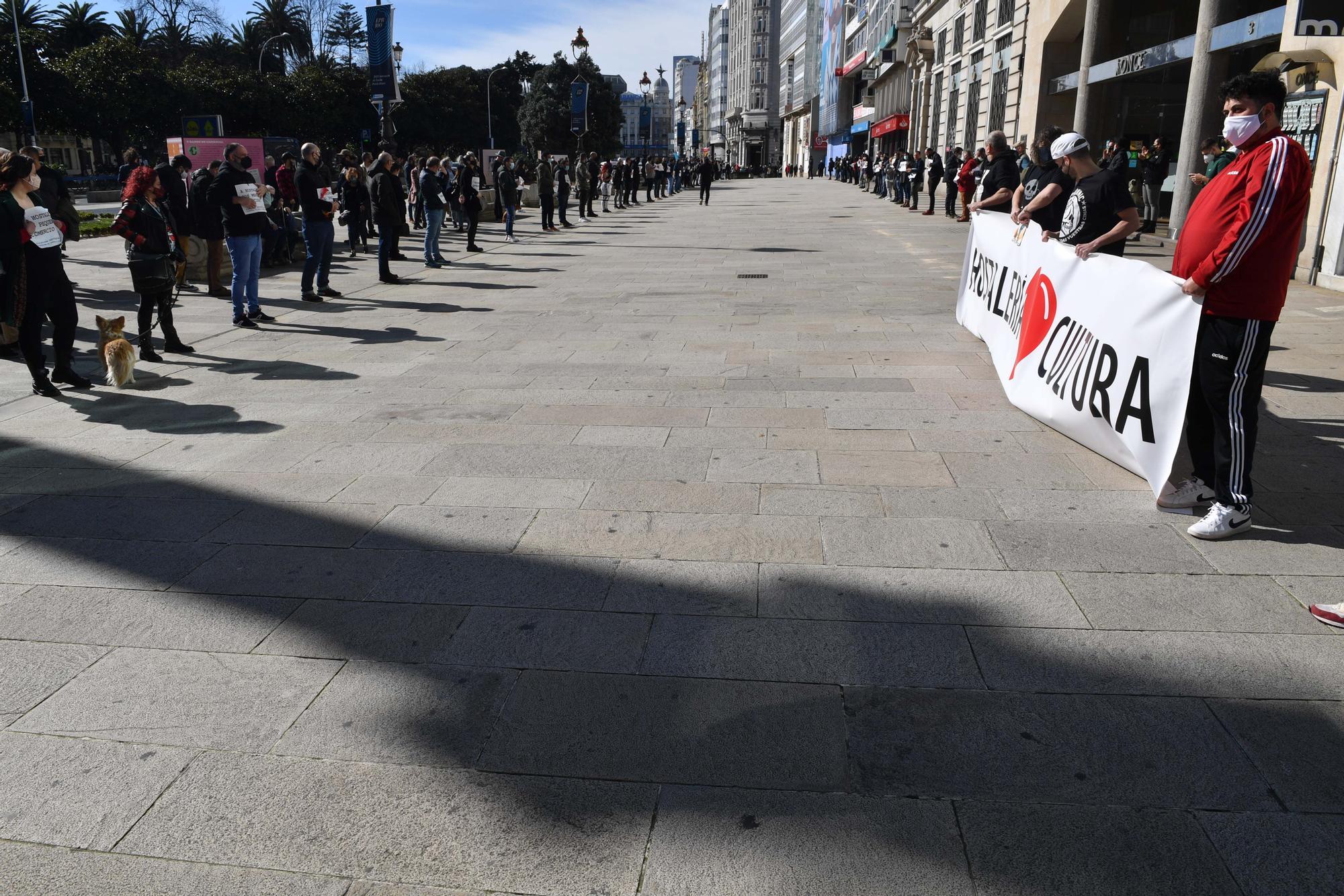 """Los hosteleros se concentran en el Obelisco y piden un """"rescate urgente"""""""