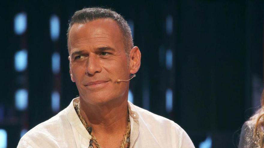 Carlos Lozano arremete contra Isabel Pantoja y Chelo García Cortés