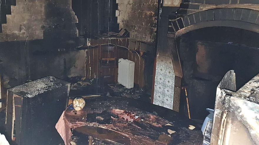 Un brasero eléctrico, posible causa del fuego en una casa de Rabanales