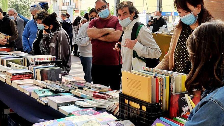 Fires al carrer Els llibres vells tornen a ser els protagonistes