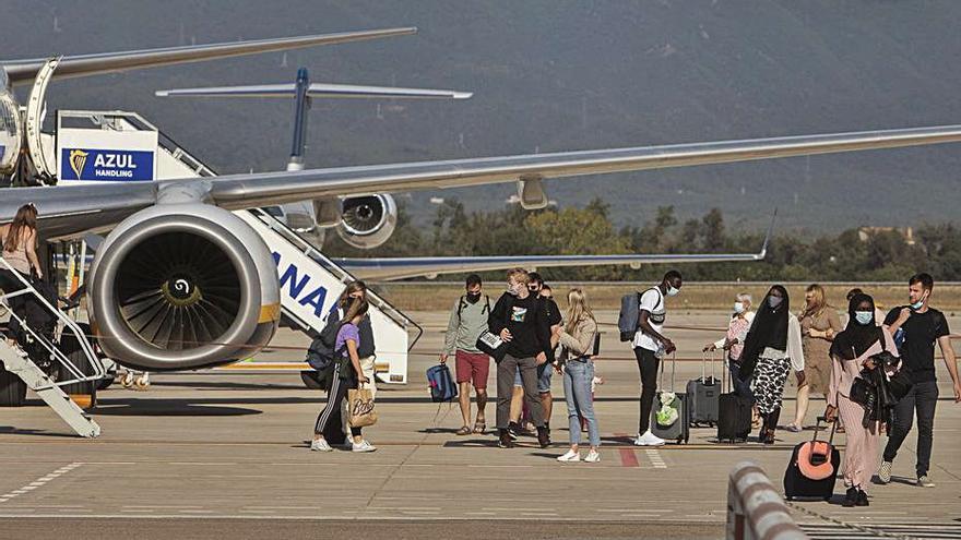 El Govern redueix l'aportació a l'aeroport perquè preveu que l'activitat segueixi baixant
