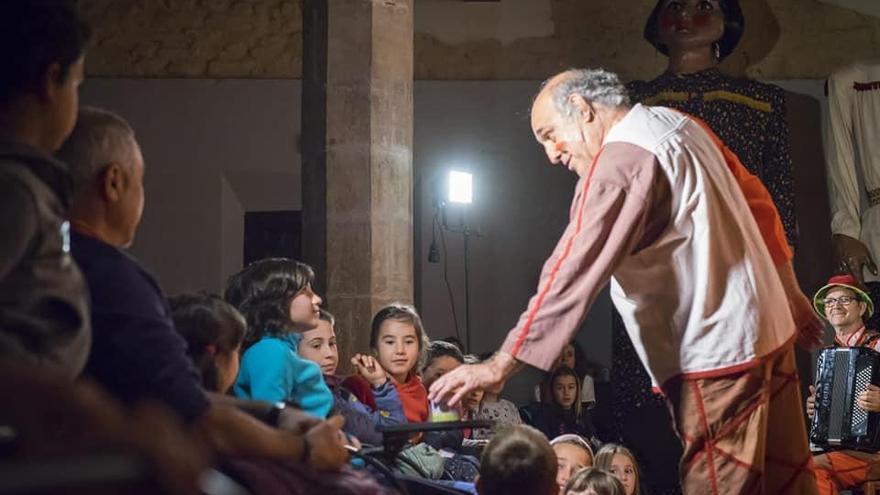 Portsxinel·la: la màgia del guinyol duta als poblets més xicotets